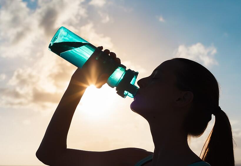 If you're drinking water to lose weight, or just want to know how much water to drink to be healthy. How much water should I drink a day?