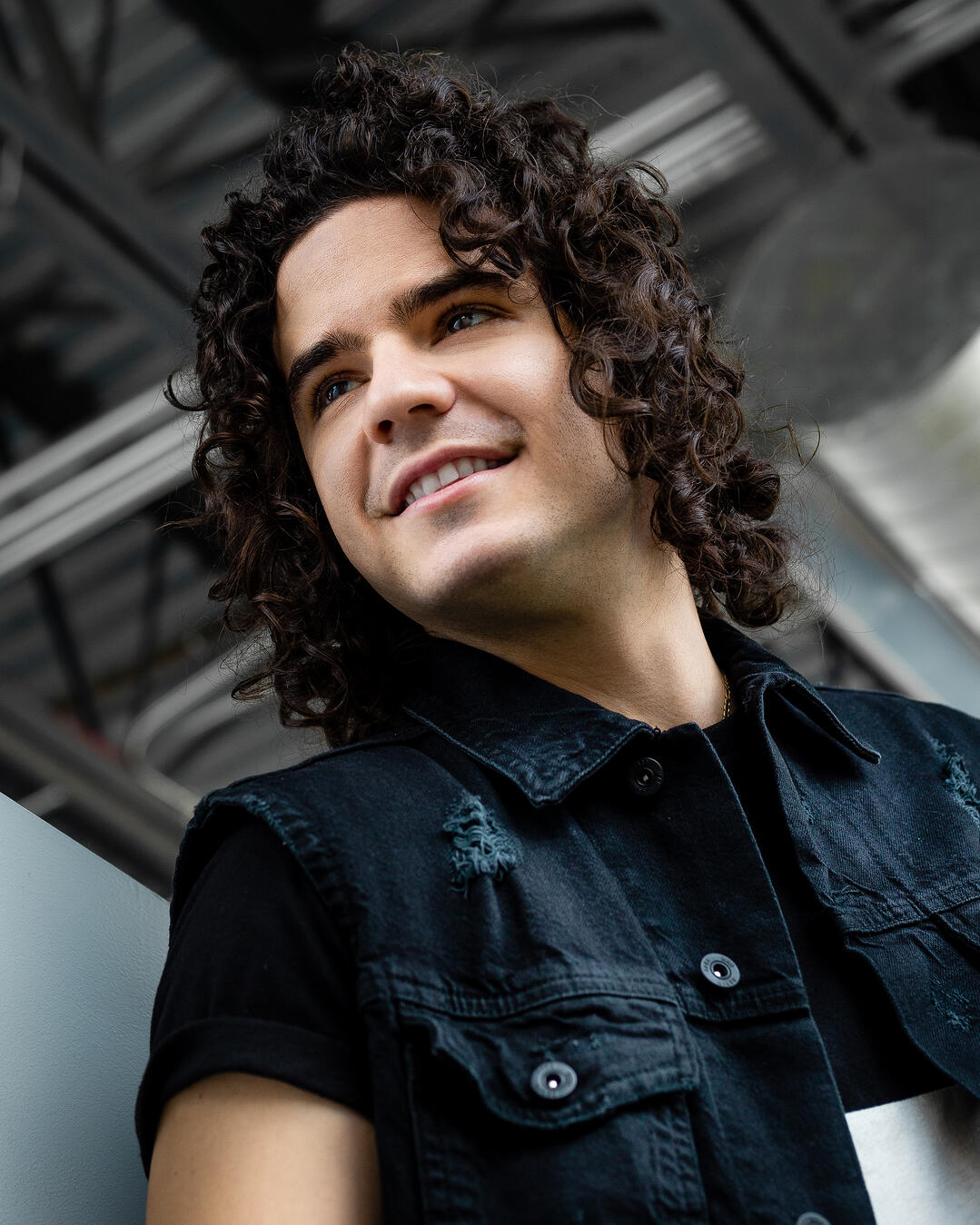 OneShare Health Care Sharing Ministry Introduces Latin Christian Artist Johnny Rez
